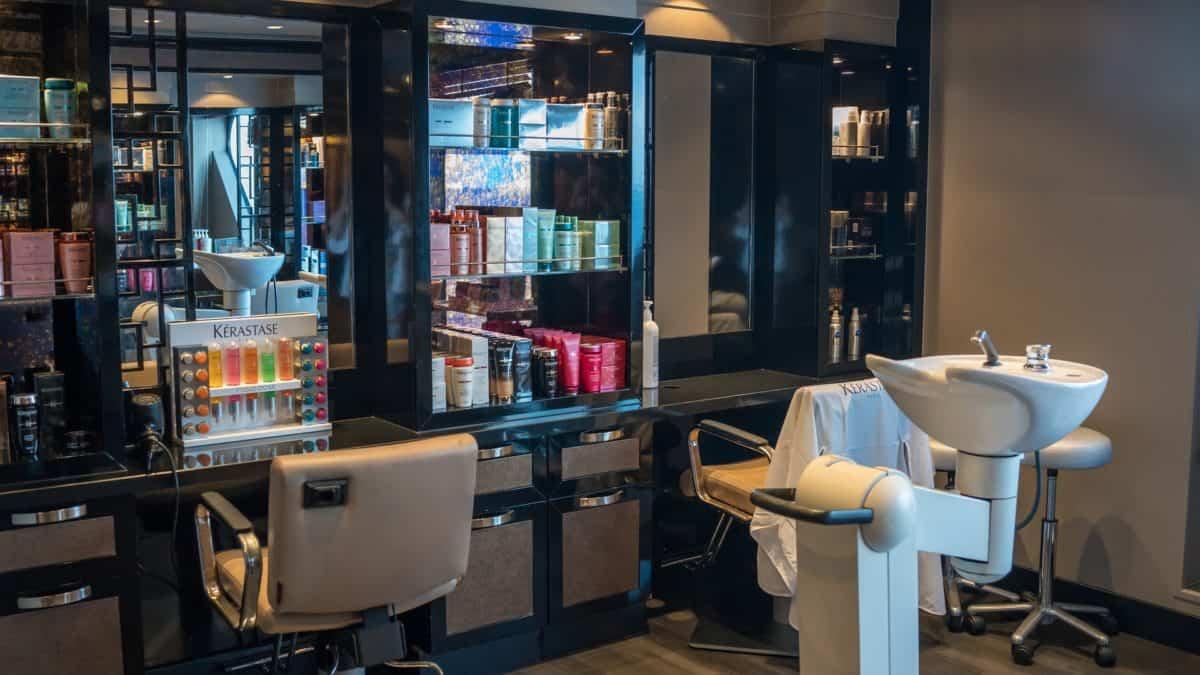 Jak dbać o zdrowie fryzjerów?
