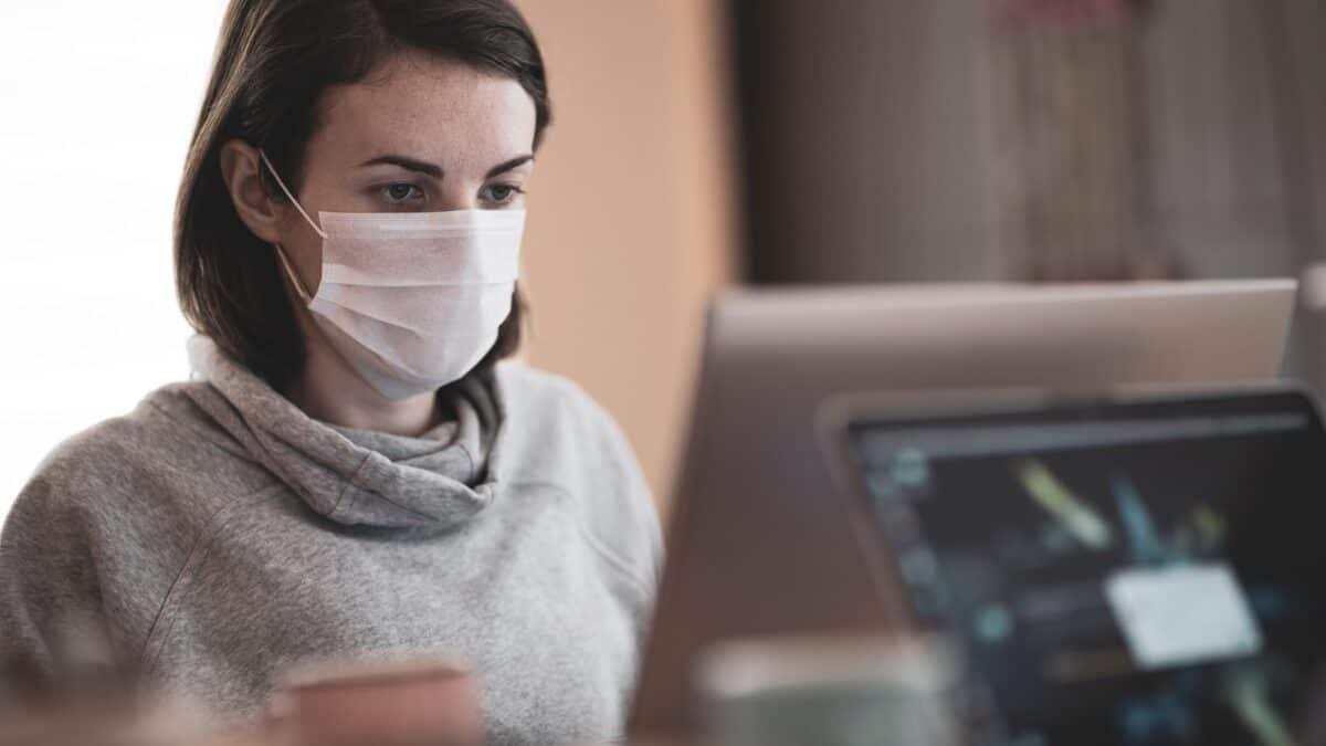 Maseczki ochronne w pracy – fakty, które trzeba znać