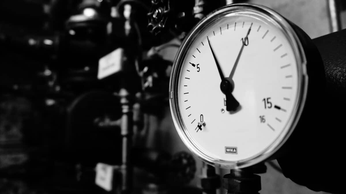 Czym grozi praca w warunkach zmiennego ciśnienia atmosferycznego?