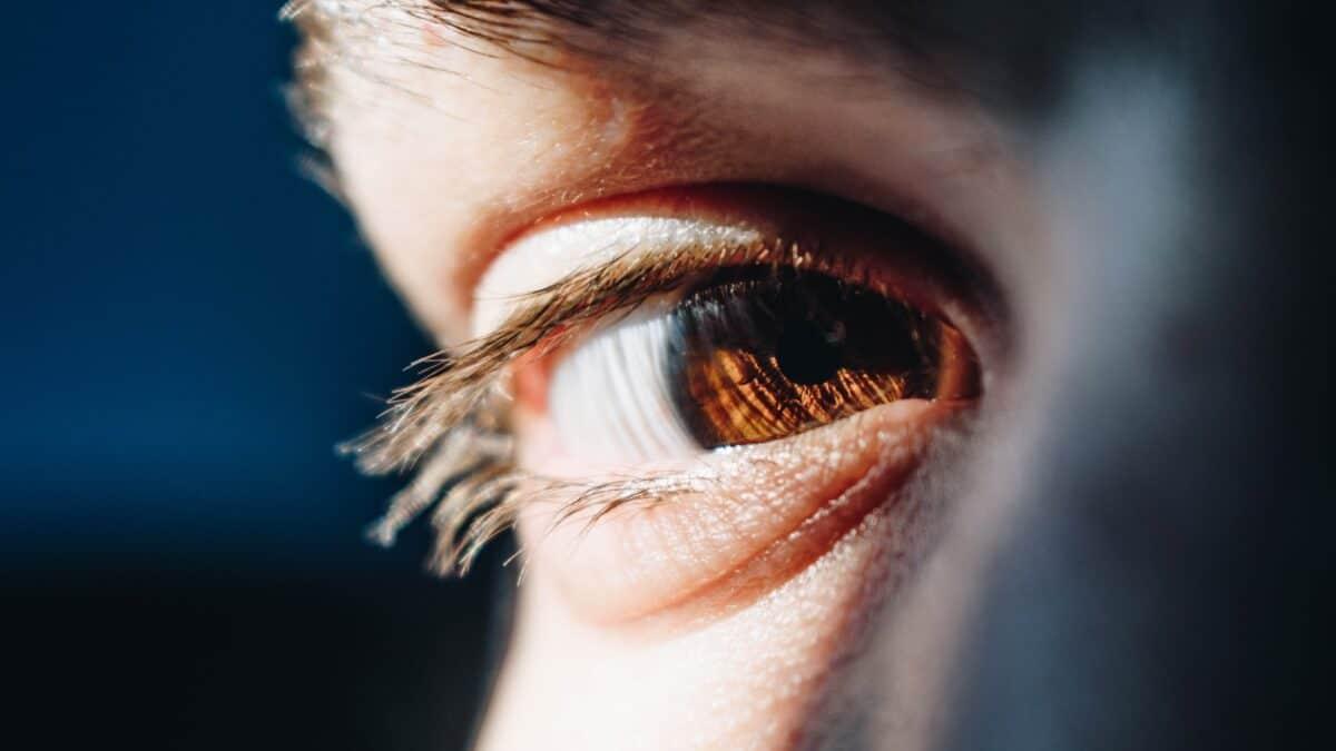5 alergenów, które najczęściej atakują oczy